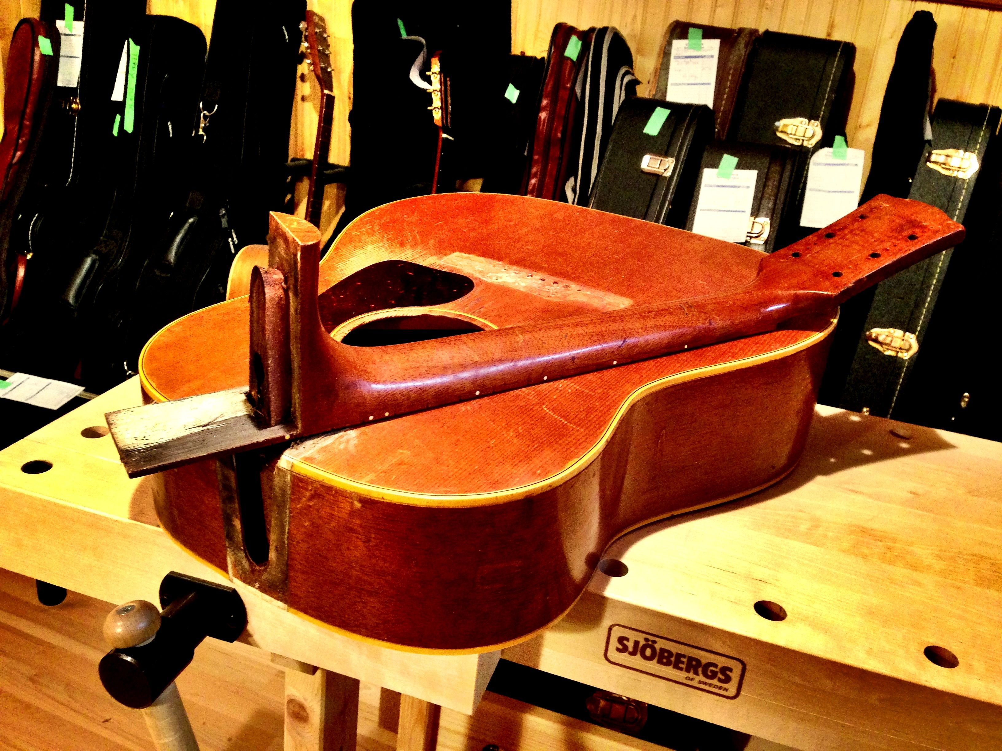 neck removal on a 1963 Gibson J-45