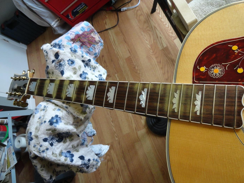 gibson j200 guitar. Black Bedroom Furniture Sets. Home Design Ideas